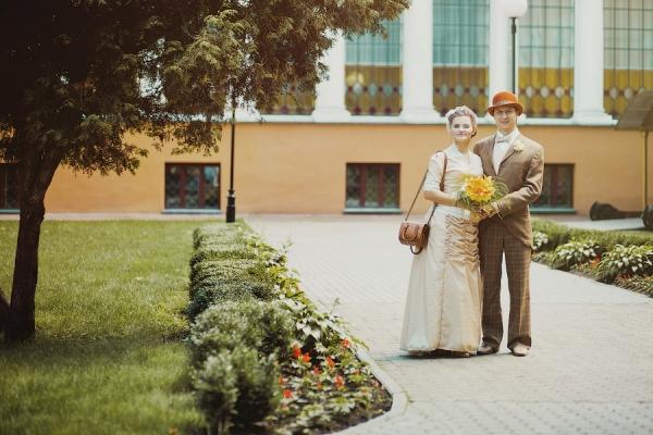 Викторианский аромат - свадебные костюмы