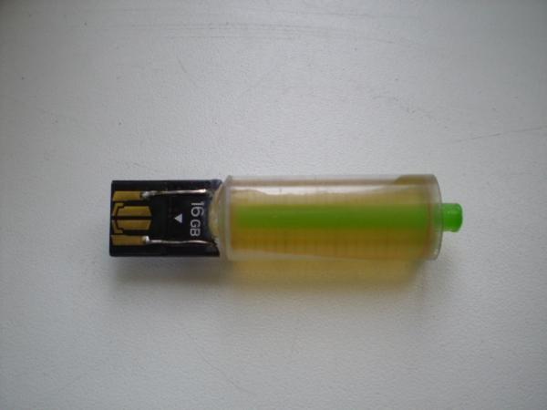 """Флешка """"Liquid Memory"""" (Фото 6)"""