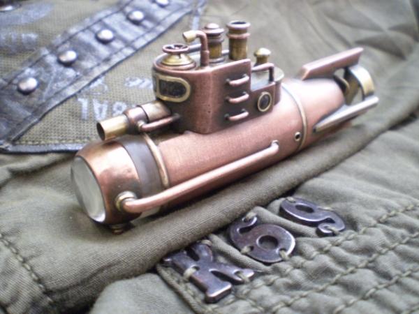 Подводная лодка (фонарик)