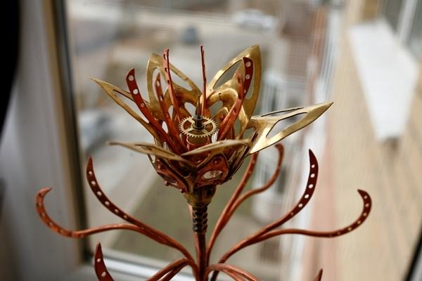 Механический цветок