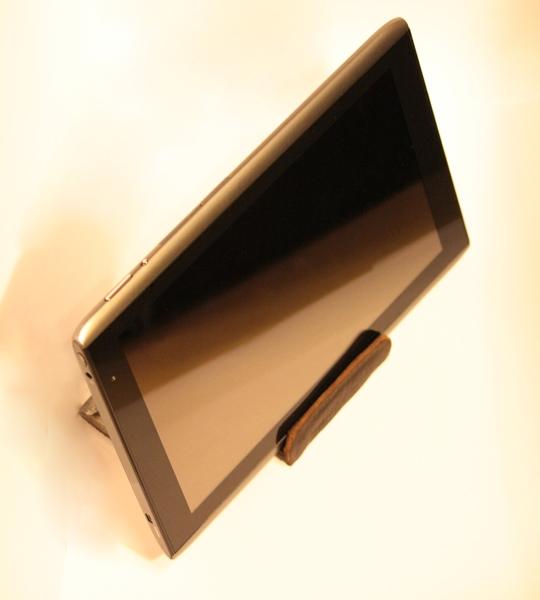 Подставка для планшета. Первая работа. (Фото 4)