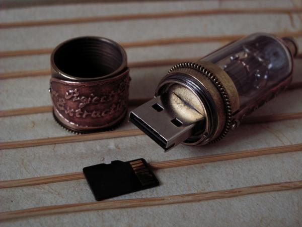 """Steampunk картридер для микро SD... проект """"Извлекающий"""" (Радует нового владельца) (Фото 15)"""