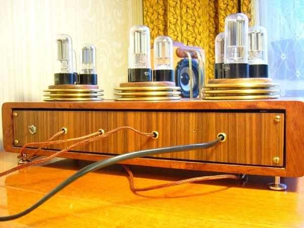 Трехкаскадный усилитель мощности (Фото 6)