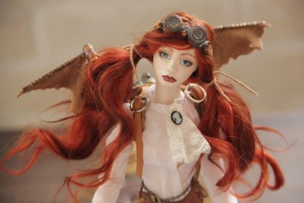 Шарнирная куколка Виктория и ее бабочка Молли (Фото 3)