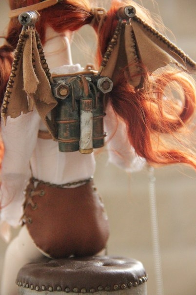 Шарнирная куколка Виктория и ее бабочка Молли (Фото 2)