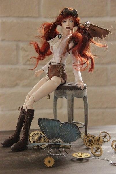 Шарнирная куколка Виктория и ее бабочка Молли