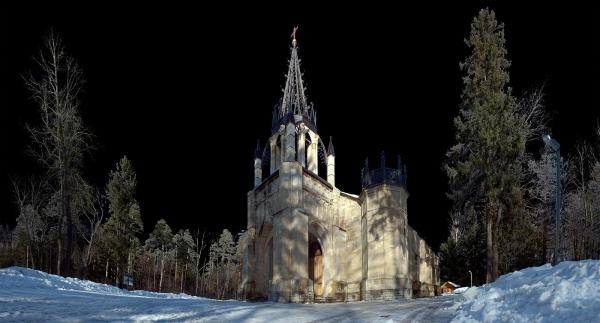 Действующая церковь в неоготическом стиле. Санкт-Петербург (Фото 6)