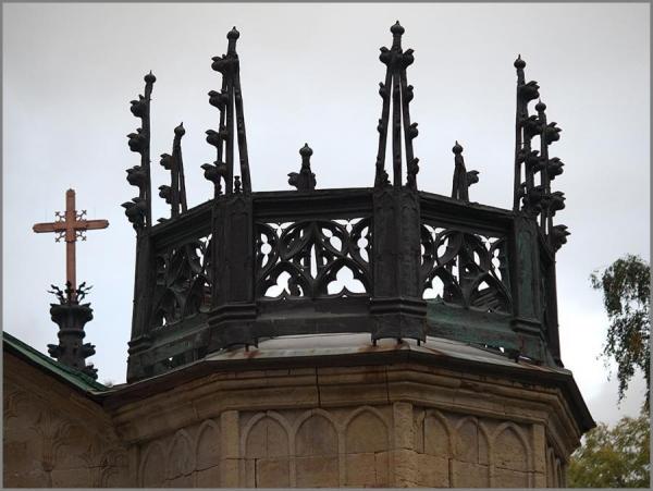Действующая церковь в неоготическом стиле. Санкт-Петербург (Фото 2)