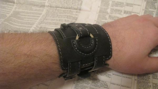 новый браслет(как у Джонни Деппа)усовершенствованный. (Фото 10)