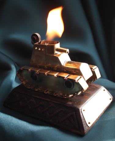 зажигалка - танк. (Фото 3)