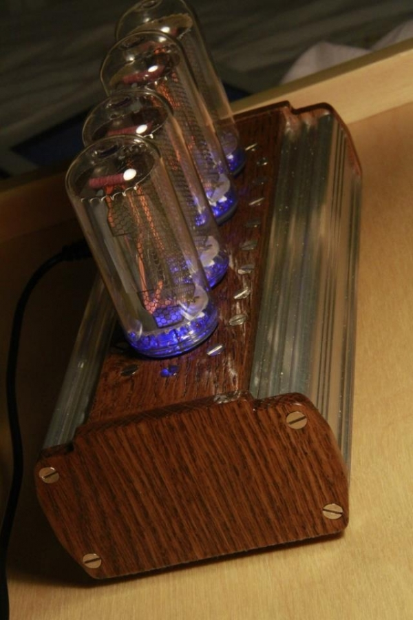 Ламповые часы на ИН-18 (Фото 3)