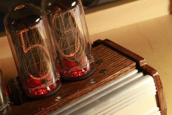 Ламповые часы на ИН-18 (Фото 5)