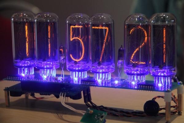 Часы на самых больших советских лампах ИН-18 (Фото 6)