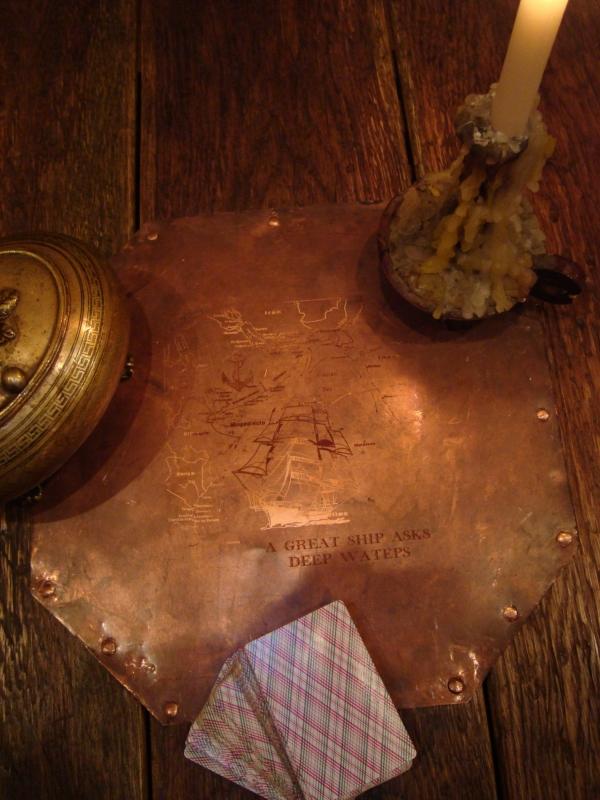 Ломберный стол (для игры в карты) дуб. масло. медь