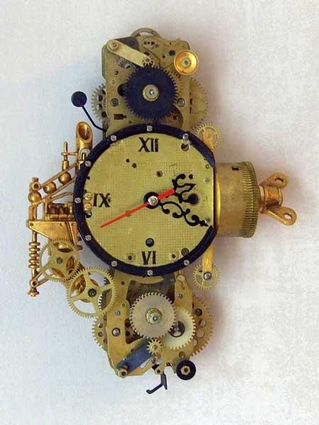Часы из будильников (Фото 4)