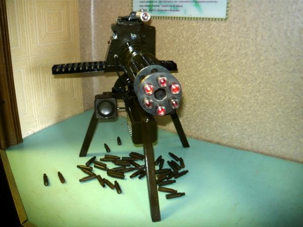 Мясорубка-пулемёт (не совсем стимпанк) (Фото 2)