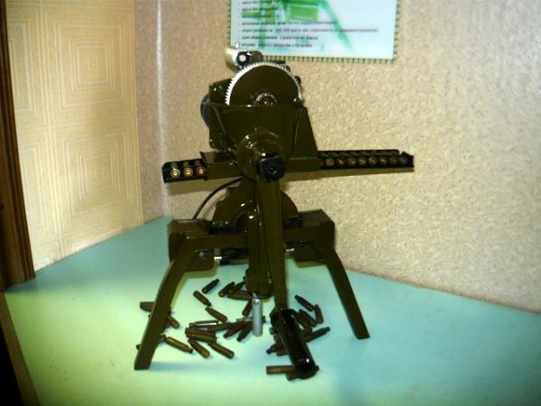 Мясорубка-пулемёт (не совсем стимпанк) (Фото 3)