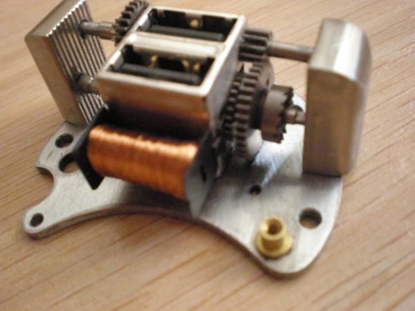 Электромеханический информационный передатчик. (Фото 5)