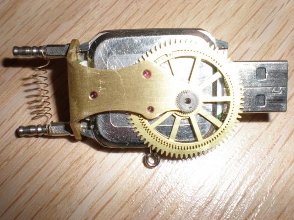 Электромеханический информационный передатчик. (Фото 4)