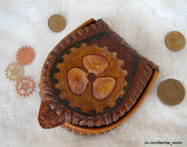 Маленький кошелек-монетница из кожи