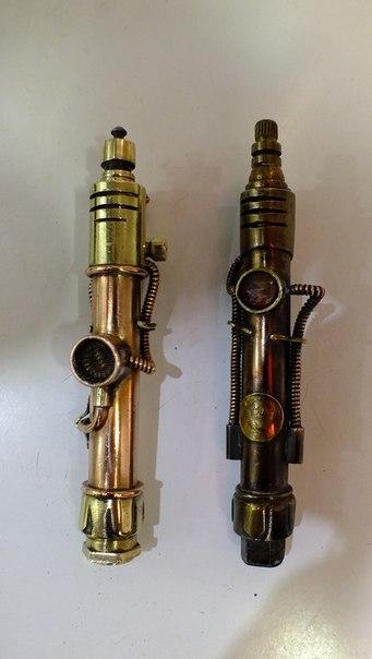 2 зажигалки