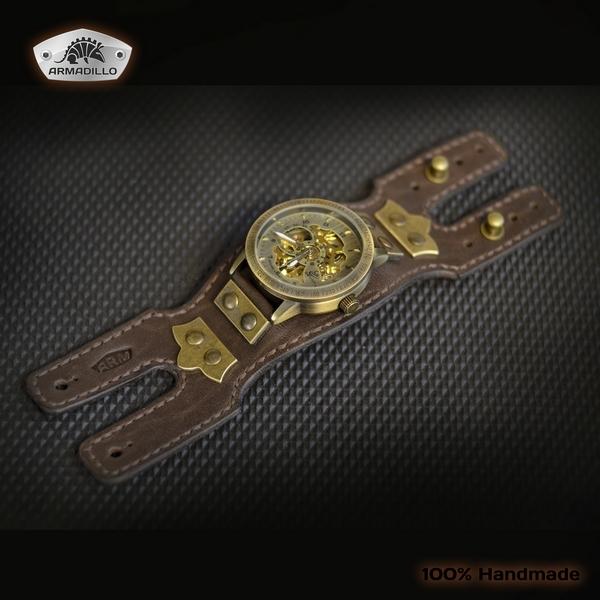 А это часы для девушки. Может стимпанка в них маловато, зато лаконично)