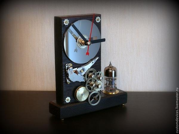 Часы Lampe de temps