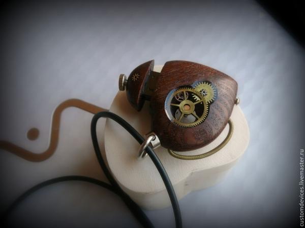 Флешка-кулон Mechanisches Herz №2 32Gb (продаётся)