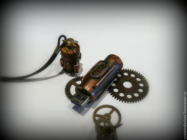 Флешка Механикус 32Gb