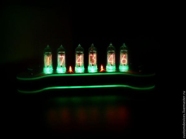 Часы ламповые Atomic line