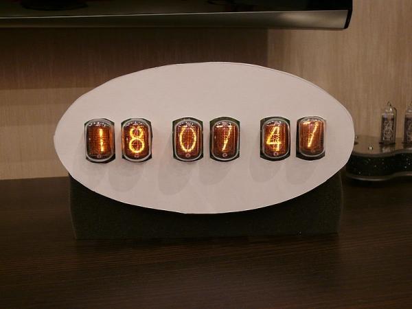 Часы на лампах для тех кто кричит что дорого (шутка)