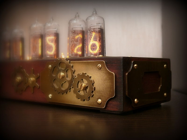 Очередные Часы на лампах