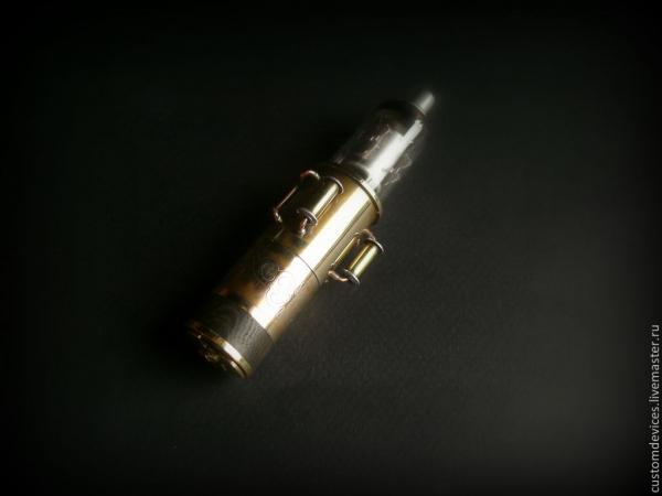 Флешка Вольт 32 Gb + удлинитель и шкатулка.