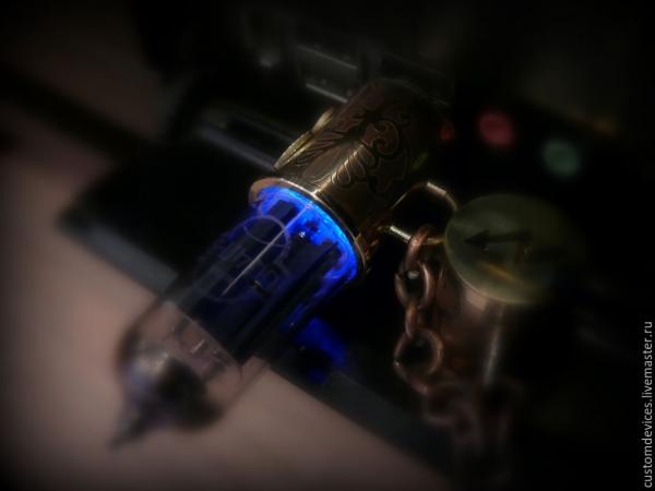 Очередная ламповая флешка в шкатулке.