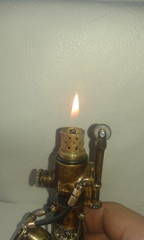 Аксиально-поршневая зажигалка.