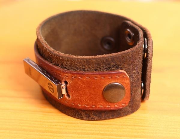Кожаный браслет 16гб