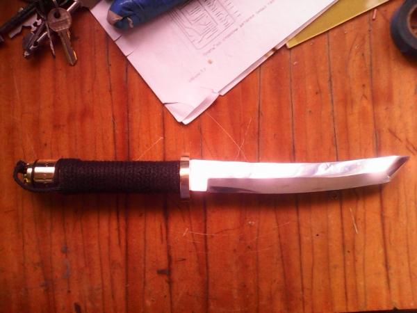 превый нож
