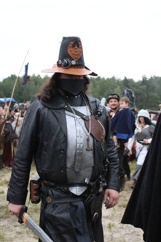 Гоггл Славы охотника на ведьм (+ пиратская повязка...)