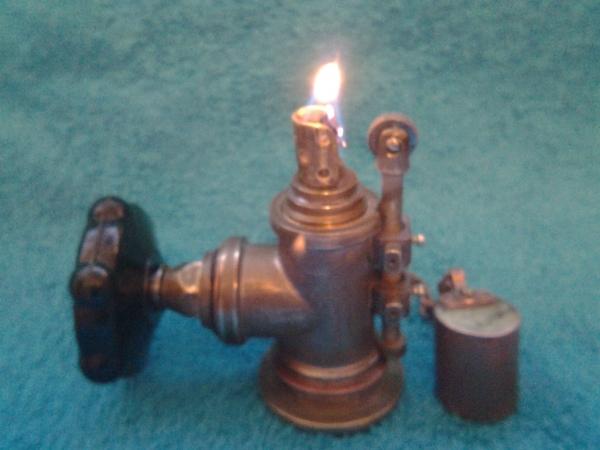 Настольная бензиновая зажигалка Водопроводный кран.