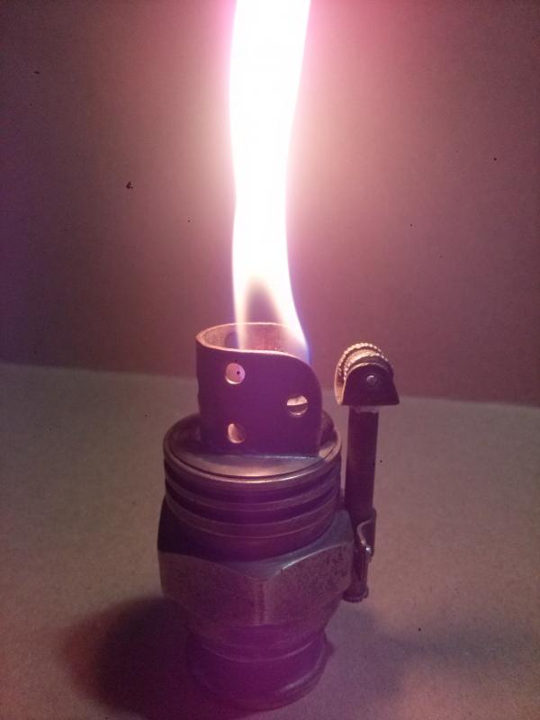 Зажигалка настольная.