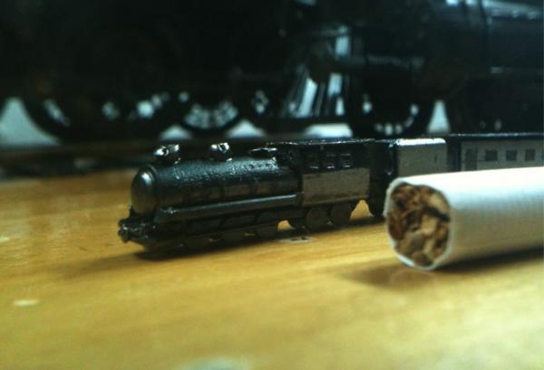 Сигарета для масштаба.