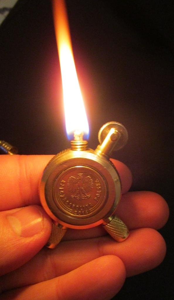 круглая зажигалка- первая в коллекцию