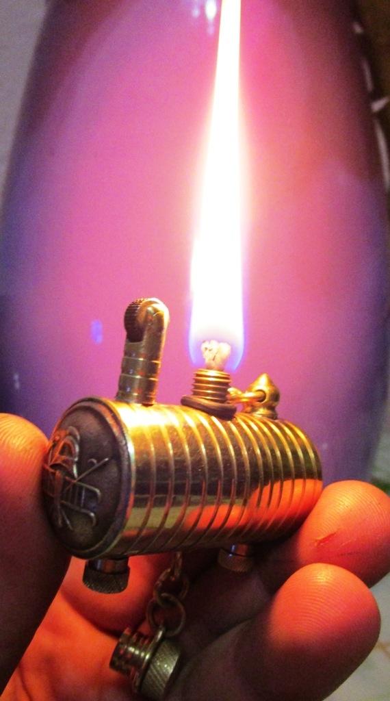 зажигалка цистерна