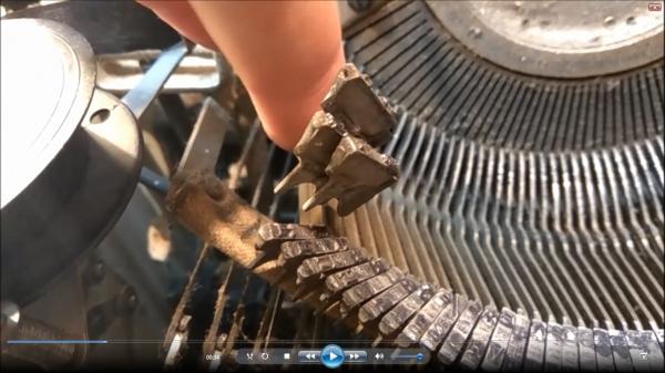 уданые клейма из печатной машинки (видео процесса изготовления)