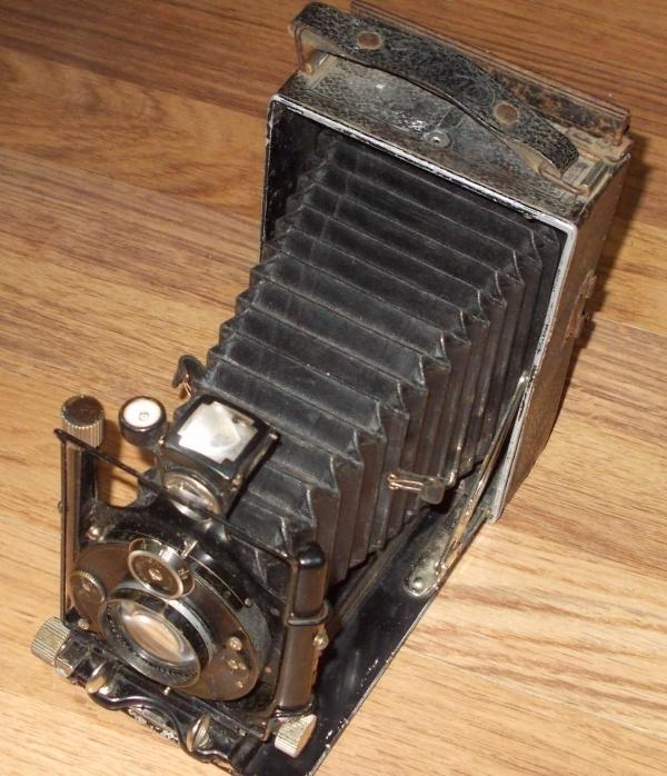 Продам фотоаппарат для любителей винтажных штук.