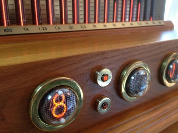 Анализатор звукового спектра + часы