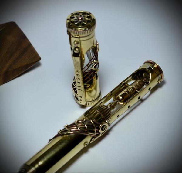 В память о Bessie Sm. Перьевая ручка.