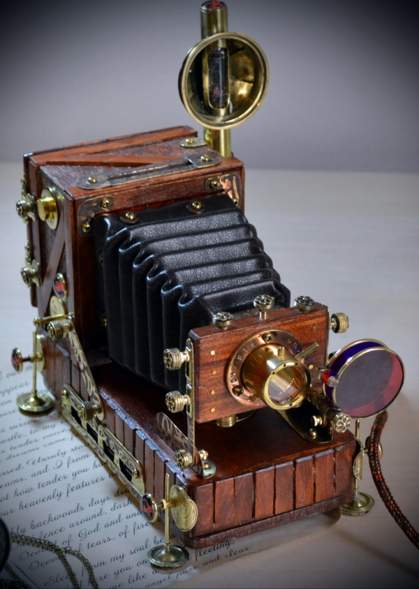 Винтажная фотокамера : USB хаб с Nixie вакумной лампой, диапроектор