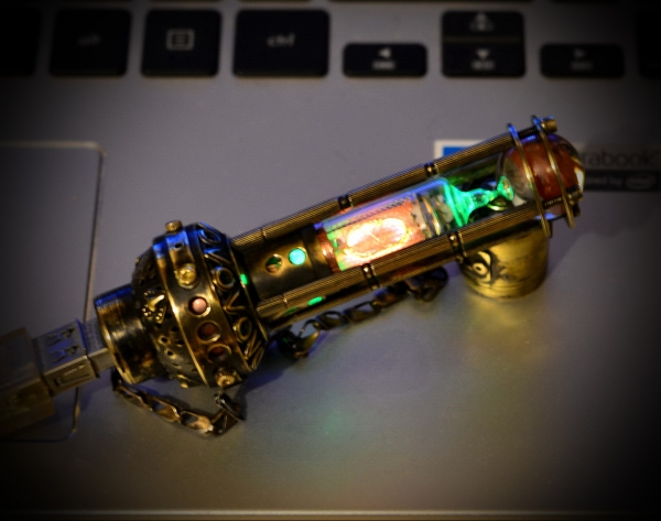 Флеш память  НЛО с лампой ИН-16.