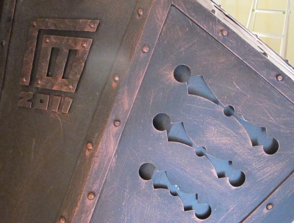 камин РЫЦАРСКИЙ  цельнометаллический с топкой из листового чугуна от  творческой мастерской д.Фёдор
